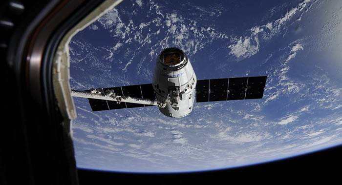 """美国""""龙""""货运飞船前往国际空间站的日期将推迟至4月30日"""